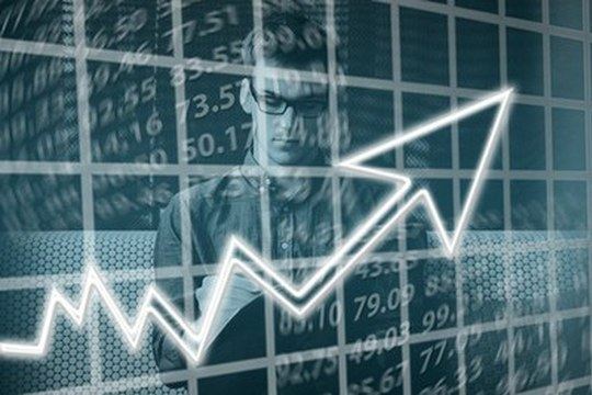 Dall'Osservatorio Cribis Lab trend e rischi delle imprese italiane: studenti e professionisti insieme per analizzare il mondo economico